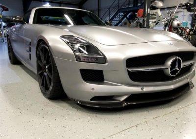 Beklebung eines Mercedes SLS AMG mit matter Steinschlagschutzfolie im Saarland